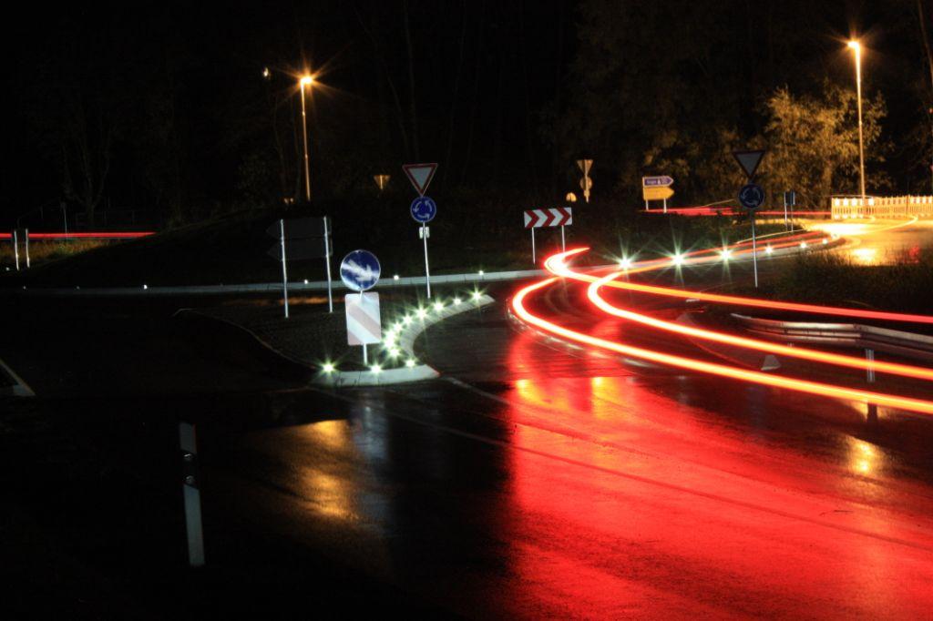 Roundabout lighting